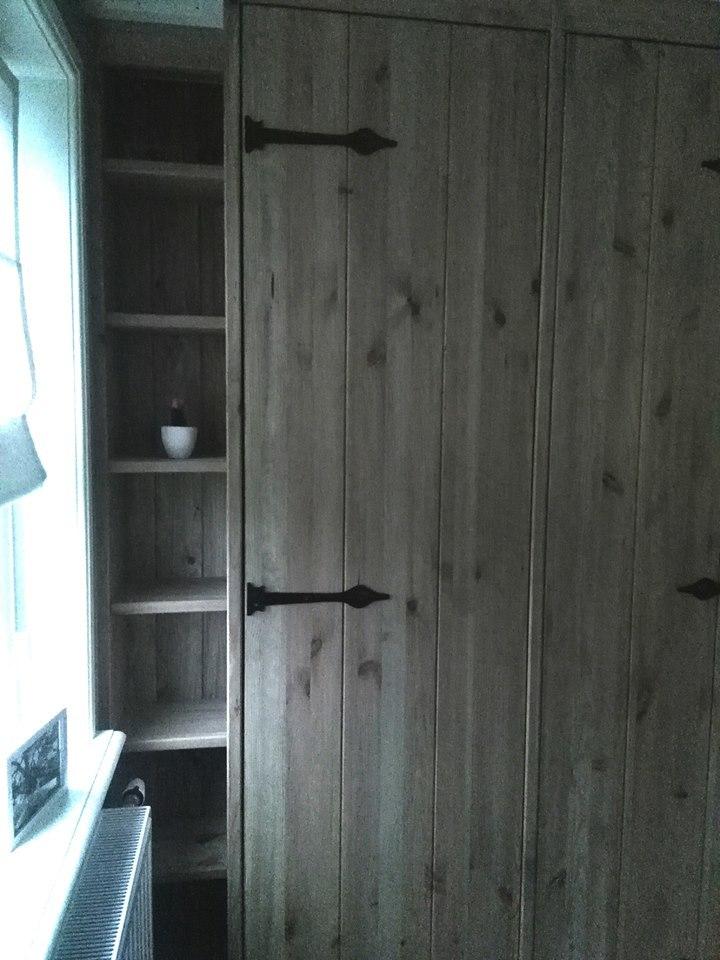 kledingkast steigerhout.jpg