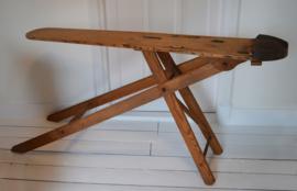 Houten strijkplank VERKOCHT