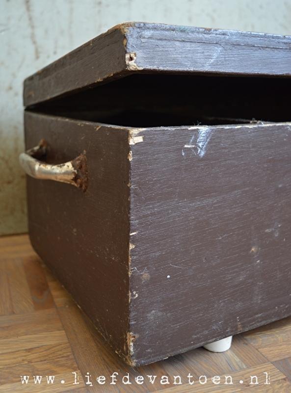 Brede bruine kist