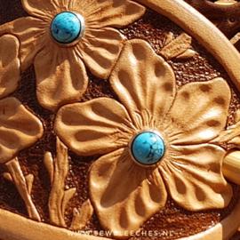 Leren haarspeld met bloemtjes met turquoise studs