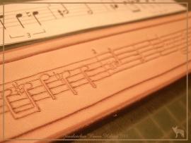 """Leren armband """"Izzy"""" met muzieknoten"""