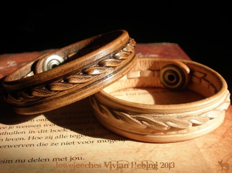 Leren armband met 'twist'
