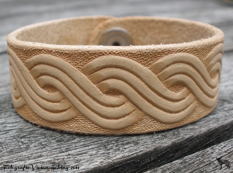 Leren armband met Kroatisch Troplet ( naturel)