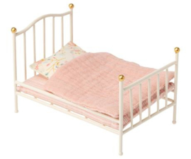 Maileg Vintage Bed Mouse - Off-White
