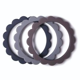 Mushie Bijtring Bloemen Armbanden - Steel Dove Grey Stone (set van 3)