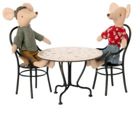 Maileg Eettafel met 2 Stoelen Poppenhuis - Antraciet