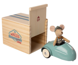 Maileg Little Brother Mouse met Garage en Auto - Blauw