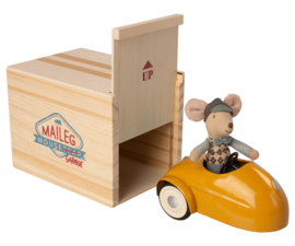 Maileg Little Brother Mouse met Garage en Auto - Geel