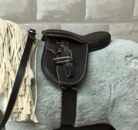 Crafty Ponies Premium Zadel incl. instructieboekje