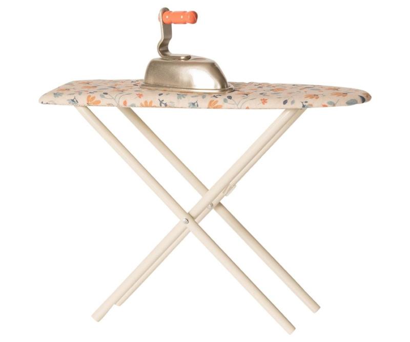 Maileg Strijkplank en strijkbout Poppenhuis - Iron & Iron and Ironing Board