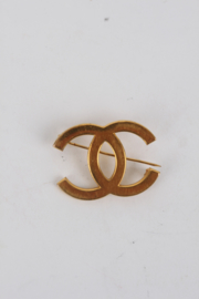 Chanel 1990's Gold-Plated 'CC'-Logo Sales Assistant Pin Brooch