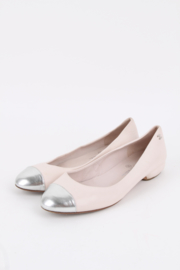 Chanel Cap Toe Ballerina's - off-white/silver