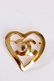 Chanel Broche - gold plated / heart
