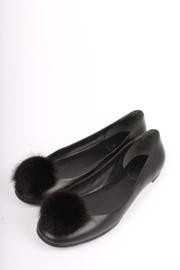 Gucci Heloise Pom-Pom Ballerina - black/grey