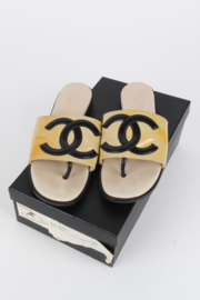 Chanel 90's Beige Patent Leather CC Logo Thong Sandals