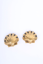 Chanel Vintage Shell Clip On Earrings Gold-tone - black beads