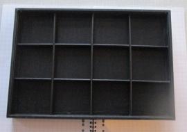 no 7-presentatie vakkenbak zwart voor Delftsblauwe kralen of armbanden