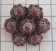 ZKB913 -R  7-Zeeuwse knopjesbroche met rode emaille