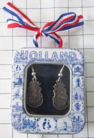 OOR148 oorhangers wapen Den Haag zwaar verzilverd in delftsblauw blikje