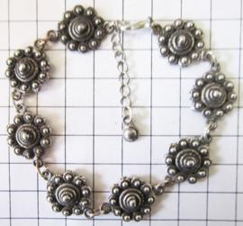 ZKA507 armband 8 zeeuwse knopen verzilverd