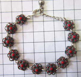 ZKA503-R zeeuwse knopjes armband verzilverd, met rode emaille