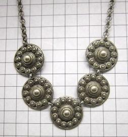 ZKC703 collier 5 Zeeuwse knop met rand