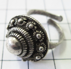 bolle ring met dichte bolletjesrand, zwaar verzilverd ZKR301
