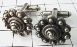 ZKG429 Manchetknopen paar Zeeuwse  knop met 3 binnenrandjes