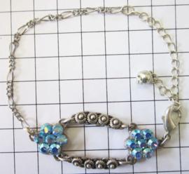 Zeeuwse knopjes armband lichtblauw swarovski kristal ZKA506