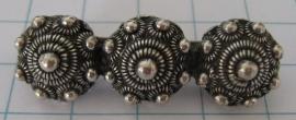 Zeeuwse knop broche  3 knops middel, 4 cm ZKB900