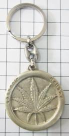 SLE607 sleutelhanger hasjblad in rond zilverkleur