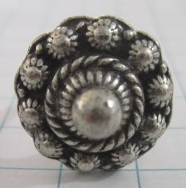 ZKR307 Zeeuwse knop ring met uitstekend bolletje