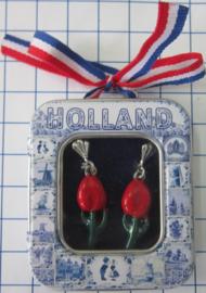 OOR 116 oorbellen rode tulpjes, zwaar verzilverd