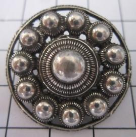 ZKK801 Grote Zeeuwse kledingknoop 3 cm doorsnede met lus achterkant