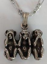 hanger met kettinkje horen zien zwijgen drie aapjes verzilverd