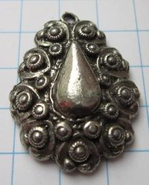 Zeeuwse knopjes hanger met pegel ZB059