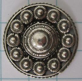 Zeeuwse knop broche, rond met rand, 27 mm doorsnede