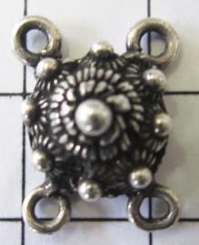 Zeeuwse knop met 4 ogen. ZB012