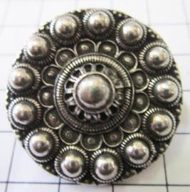 Zeeuwse knop broche ruim 3 cm met bloemvormig midden ZKB909