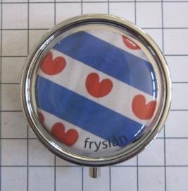 PIL_FR1.003 pillendoosje met spiegel Friesche vlag