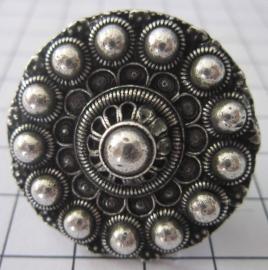ZKR321 Zeeuwse knop ring bloemvorm, tamelijk groot, verzilverd