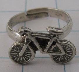 zwaar verzilverde ring met fiets