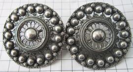 ZKG408 Broekstukken klederdracht 7 cm doorsnede zwaar verzilverd Zeeuwse knoop