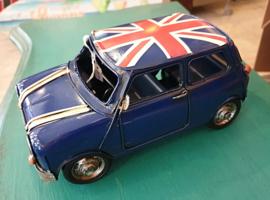 Auto blauw met engelse vlag