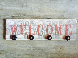 2002 Kleiderhaken mit dem Text 'WELCOME'