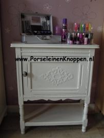 137 Möbelknopf Möbelknauf Weiß mit Schwarze, klassische und Brocant Kamee