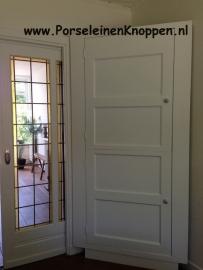Klantfoto 30-jaren woning met porseleinen deurknoppen