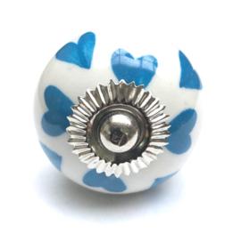 Kastknop wit met blauwe hartjes