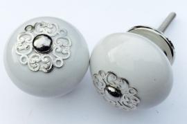 Kastknop wit met sierlijke kroon