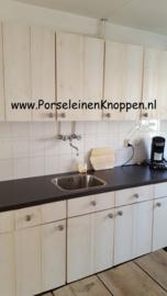 Klantfoto Zelf gemaakte keuken van Astrid met kastknop 039